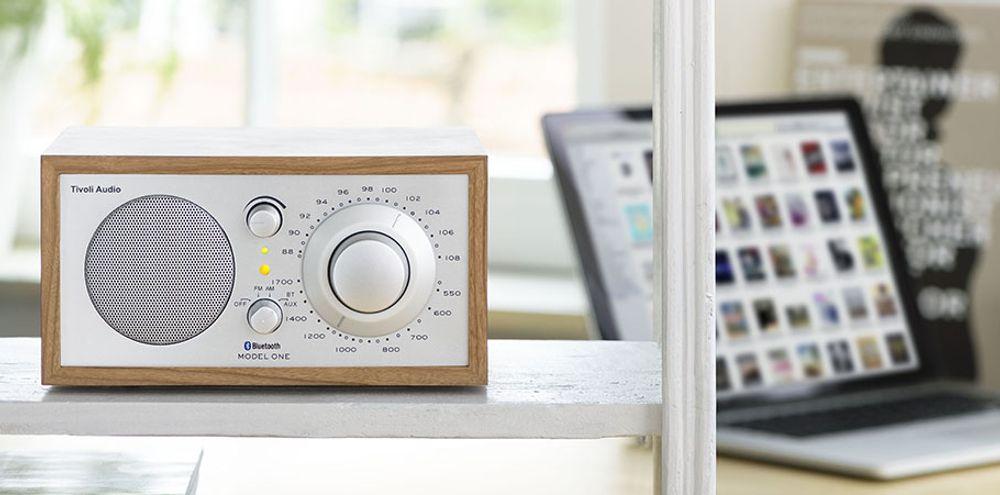 Radio AM/FM analogique Bluetooth avec haut-parleur longue portée - TIVOLI Model One® BT