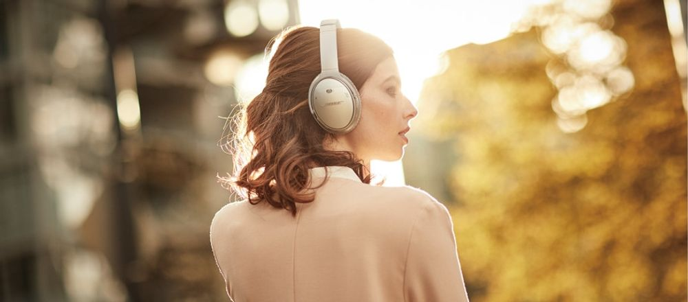 bose-casque-corps-01