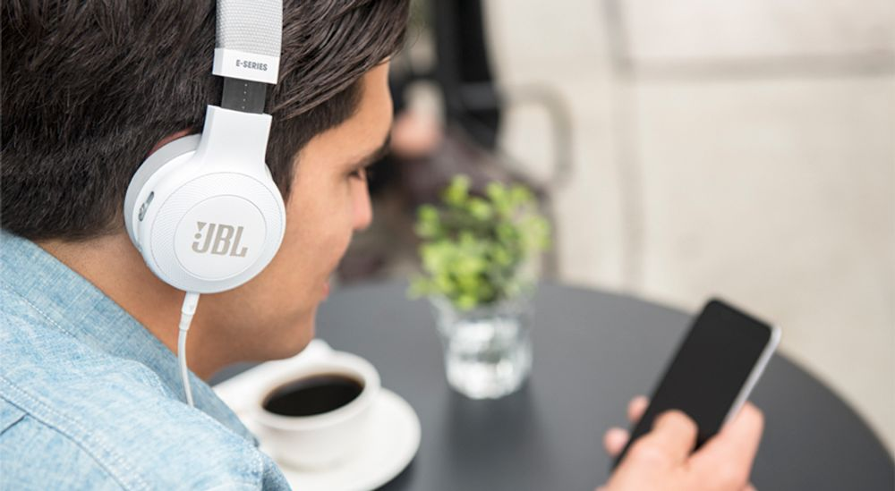 Casque audio supra-auriculaire Bluetooth® avec autonomie de 16 h - JBL E45BT